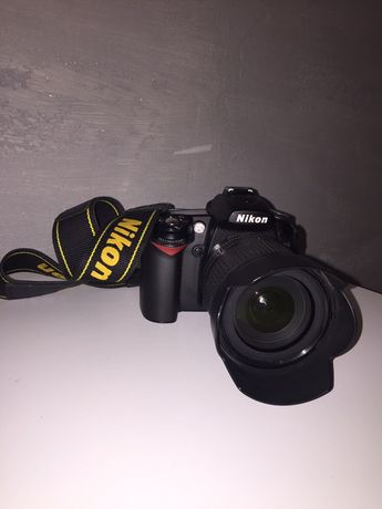 Lustrzanka Nikon D90 + obiektyw 18-105 VR