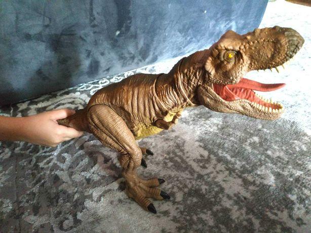 Динозавр Jurassic World Ти-рекса Устрашающее рычание (GJT60)