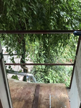 Сдаётся дом на Стеклотаре, ул. Партизана Железняка ( в начале ) два эт
