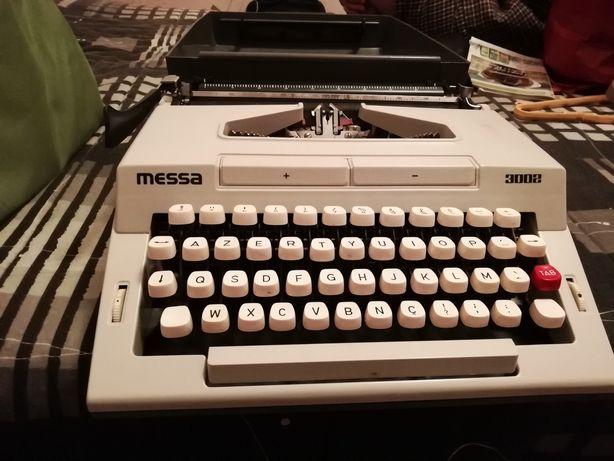 Máquina escrever. Messa