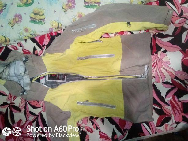 жіноча мембнанна куртка штормовка Wild roses M 250грн