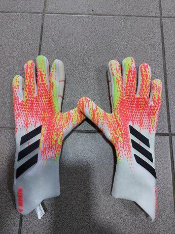 Вратарские перчатки Adidas Predator Pro 983 (FJ5983)  раз 9.5