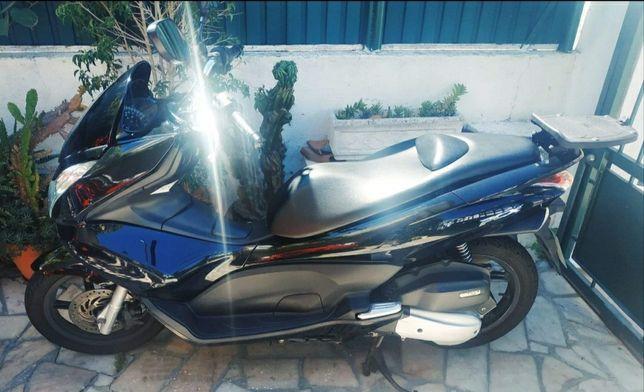 Honda PCX 125 impecável