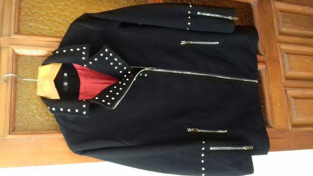 Продам добротное женское пальто.