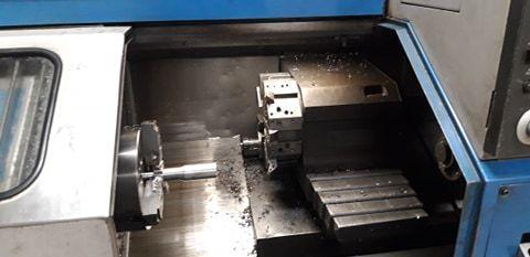 Wolne moce tokarka CNC toczenie tokarz