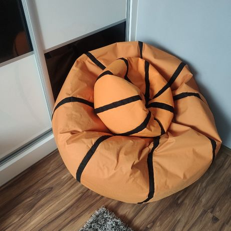 Pufa w kształcie piłki