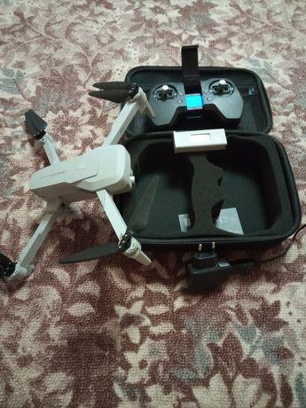 Квадрокоптер 4 К  хорошего качества с обучением полёта