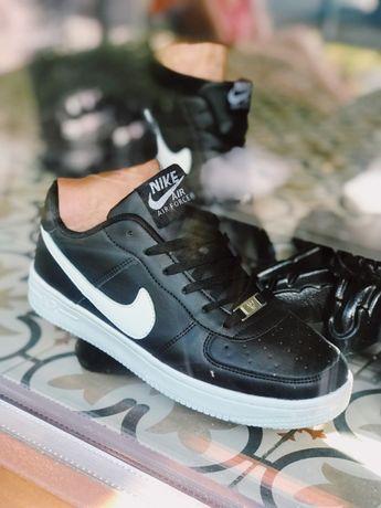 Кеды Найк черные с белым логотипом Nike Air Force Red ang Black