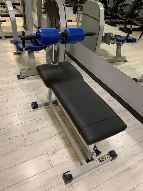 Technogym ławka do ćwiczeń mięśni brzucha Life Fitness Precor