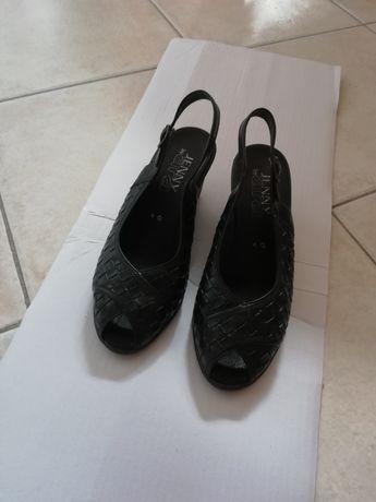 Sandały skórzane czarne