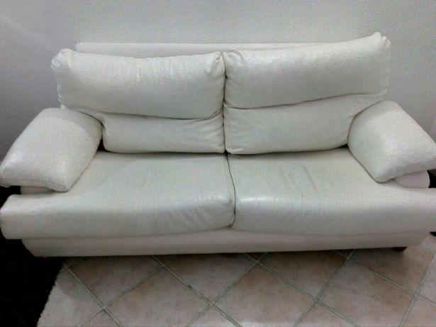 Vendo ou troco, sofá de 3 lugares.