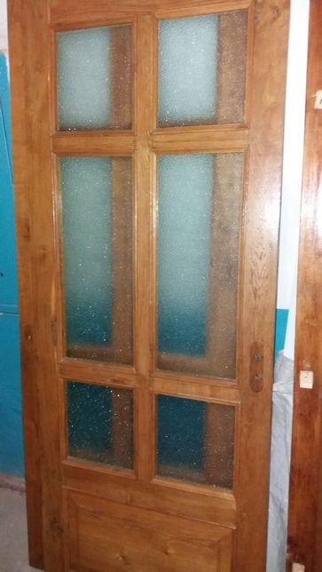 Двери межкомнатные дубовые