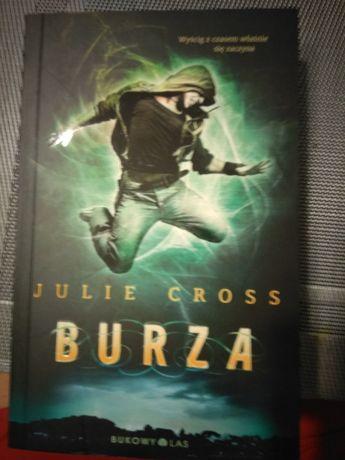 Burza Julie Cross