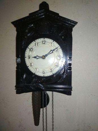 Часы с кукушкой все работает