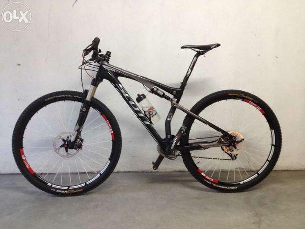 Bicicleta BTT Scott Spark Pro 29 toda em Carbono de suspensão total