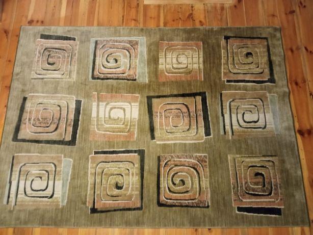 Dywan wełniany. 2 x 2.80 Duży