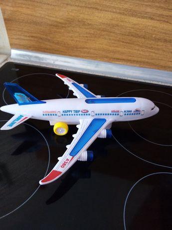 Самолёт на батарейках