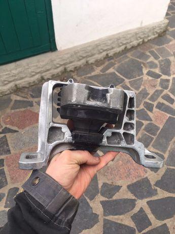 Опора двигуна Форд Фокус 2