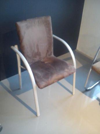 Krzesło/fotel, nowoczesne i bardzo solidne,tapicerka zamszowa.Polecam!