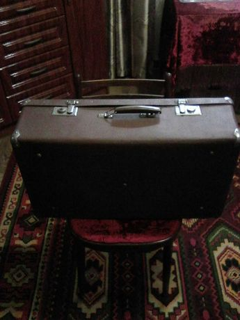 Продам чемоданы СССР.