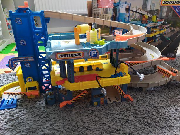 Garaż parking myjnia Matchbox Hotwheels 4 poziomy winda