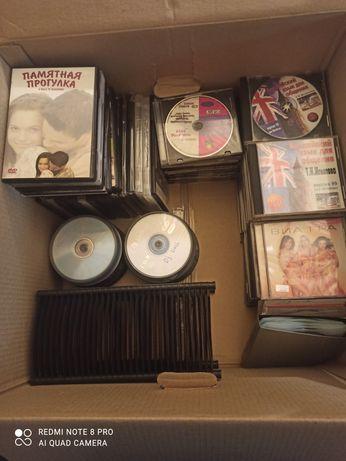 Продам много CD дисков+ подарок!