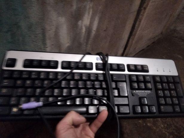 Клавіатура.Б/у була в використанні.