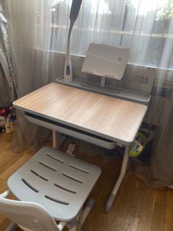 Продается детский письменный стол для дошкольника/ школьника младших к