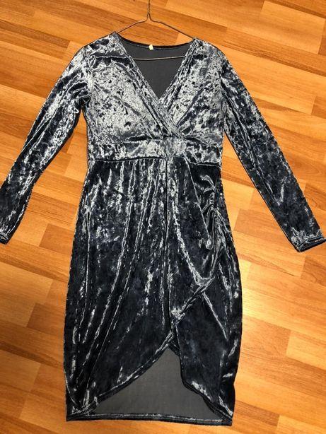 Плаття розмір 42