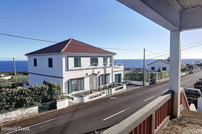 Moradia T3 +1 | Com vista de Mar | São Mateus | Ilha do Pico