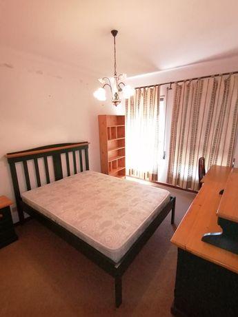 CELAS-Arrendam-se quartos em apartamento T3