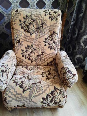 Продам диван з креслами