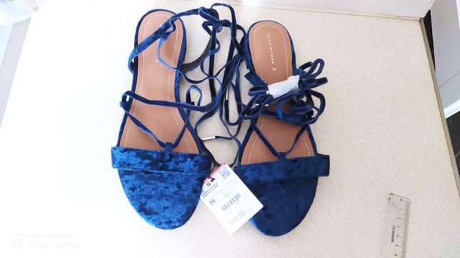 Nowe sandałki aksamitne 39 Zara