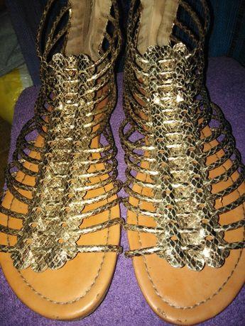 Sandały 40