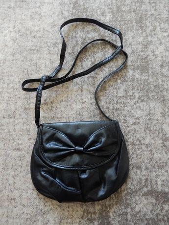 Torebka damska czarna z kokardką