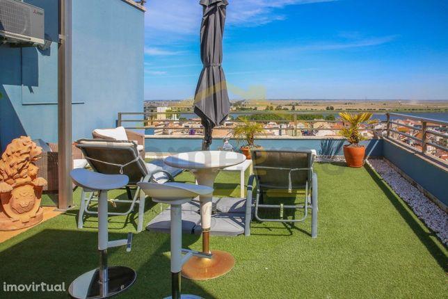 Apartamento T5 com 300 m2 e Vista Tejo - Vila Franca de Xira