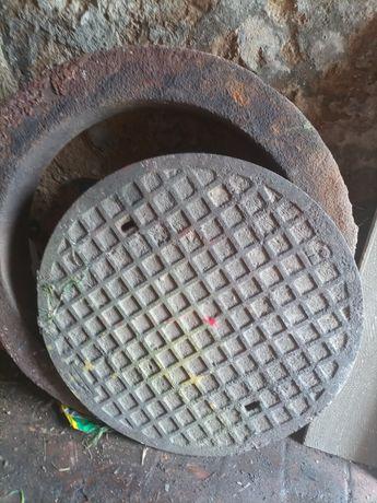 Właz studzienki kanalizacyjnej