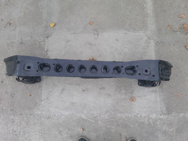 Усилитель переднего бампера Форд Фокус 3
