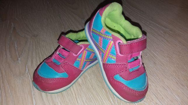 Кроссовочки для малышки( малыша)