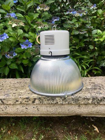 Candeeiros Industriais com vidros e lâmpadas 250W