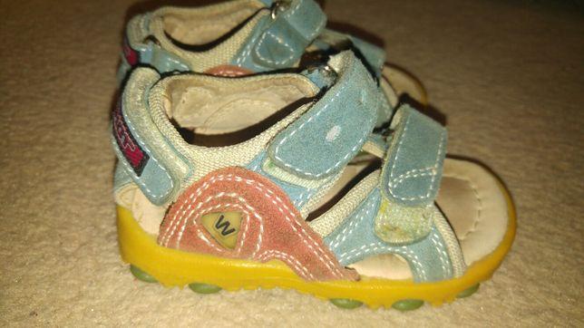 Sandałki ze skóry rozmiar 20