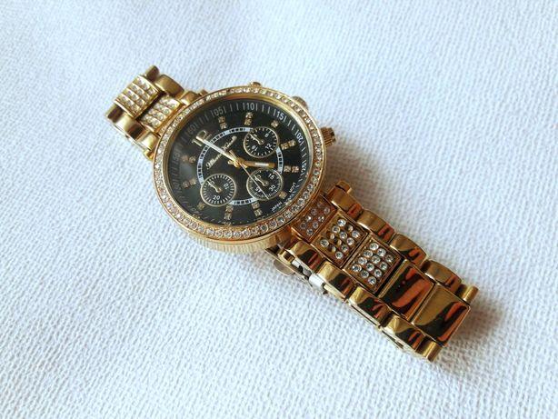 Золотистые наручные часы Alberto Kavalli