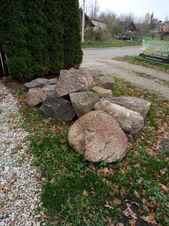 Głazy kamienie duże skalniak