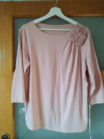 Elegancka koszulka bluzka z długim rękawem pudrowy róż kwiaty i perły