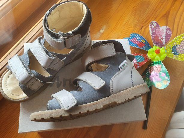 Дитячі ортопедичні босоніжки Mrugala