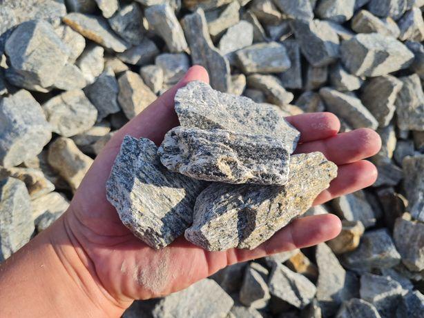 Kora kamienna Gnejs szary grys granitowy kamień ogrodowy granitowa