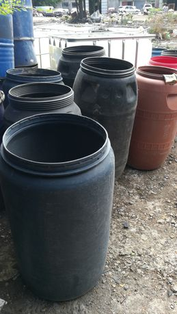 Бочки пластик пищевые 200—250 л бу без крышек
