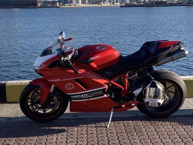 Спортбайк Ducati 1098