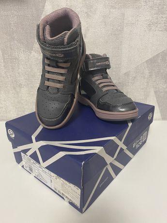 Ботинки Geox 28 размер