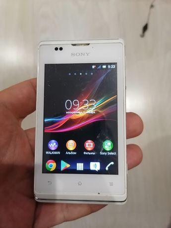 Мобильный телефон Sony Xperia E C1505 White